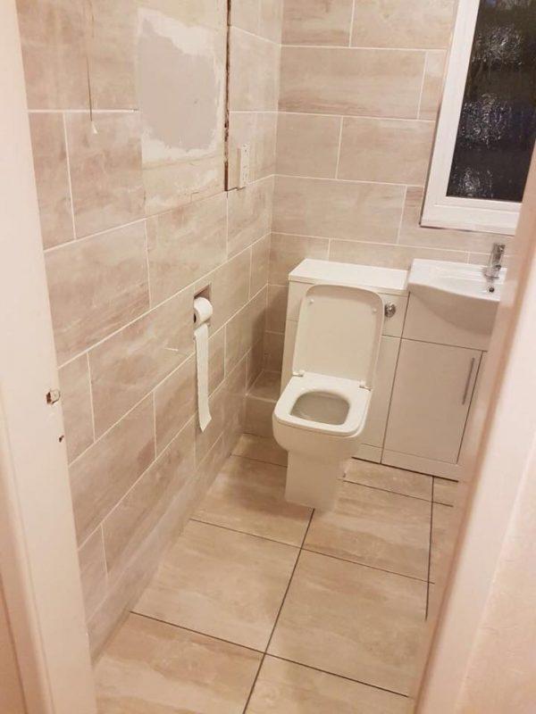 https://leewrightplumbingandheating.co.uk/wp-content/uploads/2019/10/bathroom_gallery_05-600x800.jpg